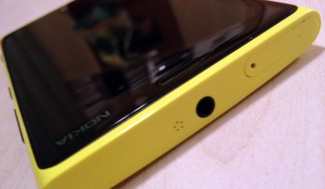 Nokia Lumia 920 - vrch
